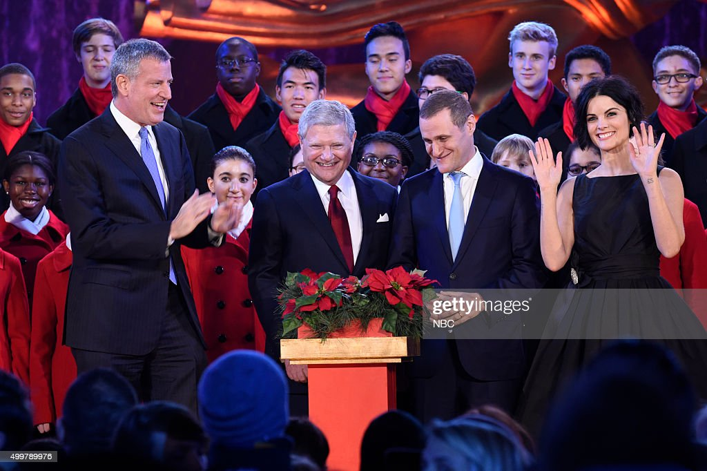 Mayor <a gi-track='captionPersonalityLinkClicked' href=/galleries/search?phrase=Bill+de+Blasio&family=editorial&specificpeople=6224514 ng-click='$event.stopPropagation()'>Bill de Blasio</a>, Jerry Speyer, Rob Speyer, <a gi-track='captionPersonalityLinkClicked' href=/galleries/search?phrase=Jaimie+Alexander&family=editorial&specificpeople=544496 ng-click='$event.stopPropagation()'>Jaimie Alexander</a> --