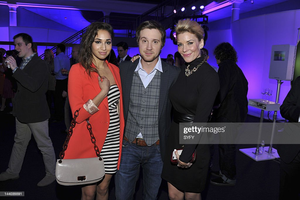 <a gi-track='captionPersonalityLinkClicked' href=/galleries/search?phrase=Meaghan+Rath&family=editorial&specificpeople=7433544 ng-click='$event.stopPropagation()'>Meaghan Rath</a>, <a gi-track='captionPersonalityLinkClicked' href=/galleries/search?phrase=Sam+Huntington&family=editorial&specificpeople=546776 ng-click='$event.stopPropagation()'>Sam Huntington</a> and <a gi-track='captionPersonalityLinkClicked' href=/galleries/search?phrase=McKenzie+Westmore&family=editorial&specificpeople=182442 ng-click='$event.stopPropagation()'>McKenzie Westmore</a> attend 'Syfy Upfront 2012 at the American Museum of Natural History in New York City on April 24, 2012' --