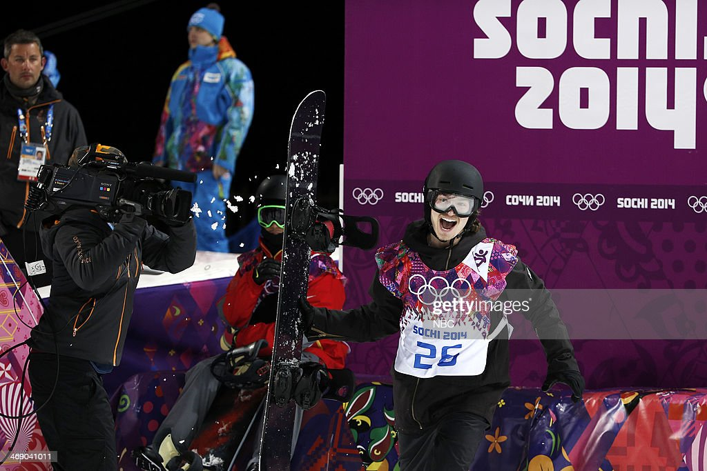 Men's Snowboarding Halfpipe Final - <a gi-track='captionPersonalityLinkClicked' href=/galleries/search?phrase=Iouri+Podladtchikov&family=editorial&specificpeople=820900 ng-click='$event.stopPropagation()'>Iouri Podladtchikov</a> competes --