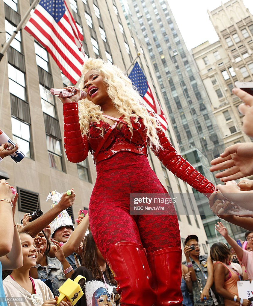 <a gi-track='captionPersonalityLinkClicked' href=/galleries/search?phrase=Nicki+Minaj+-+Artista&family=editorial&specificpeople=6362705 ng-click='$event.stopPropagation()'>Nicki Minaj</a> performs on NBC News' 'Today' show --