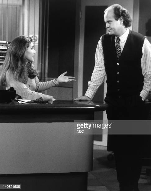 Peri Gilpin as Roz Doyle Kelsey Grammer as Doctor Frasier Crane Photo by NBCU Photo Bank