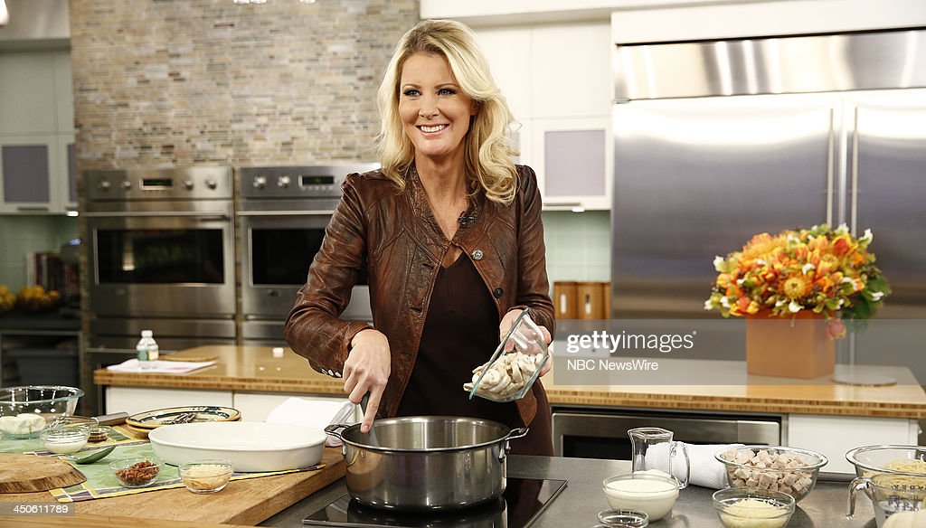<a gi-track='captionPersonalityLinkClicked' href=/galleries/search?phrase=Sandra+Lee+-+Television+Personality&family=editorial&specificpeople=242799 ng-click='$event.stopPropagation()'>Sandra Lee</a> appears on NBC News' 'Today' show --
