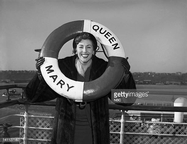 Singer Vera Lynn arrives on the Queen Mary in January 1952 Photo by NBC/NBCU Photo Bank