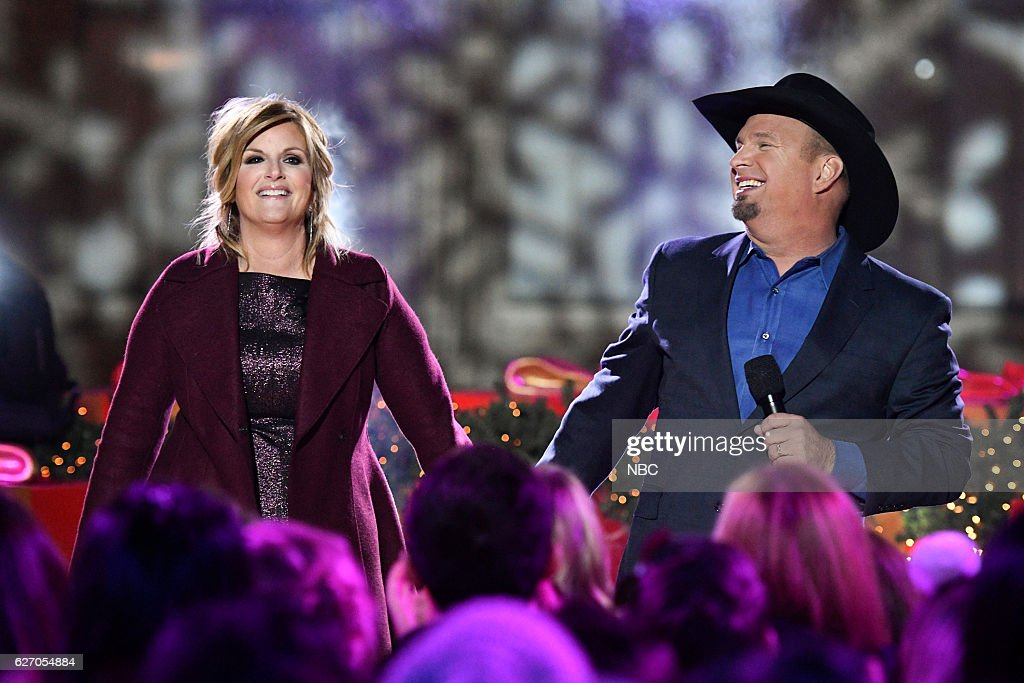 Trisha Yearwood and Garth Brooks rehearse for the 2016 Christmas in Rockefeller Center --