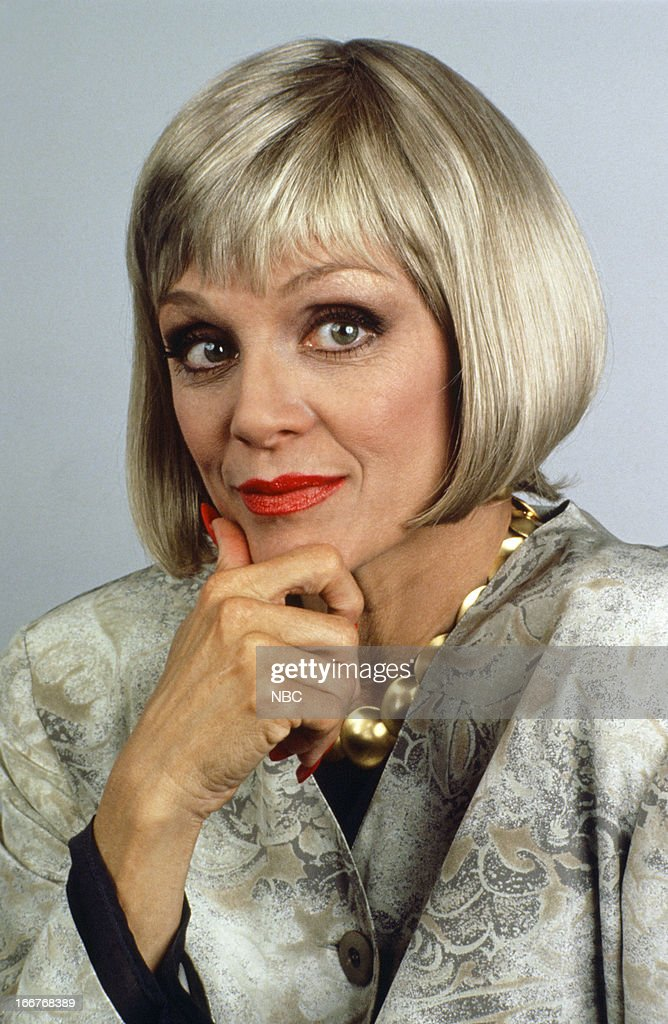 <a gi-track='captionPersonalityLinkClicked' href=/galleries/search?phrase=Valerie+Harper&family=editorial&specificpeople=206853 ng-click='$event.stopPropagation()'>Valerie Harper</a> as Dyan Draper --