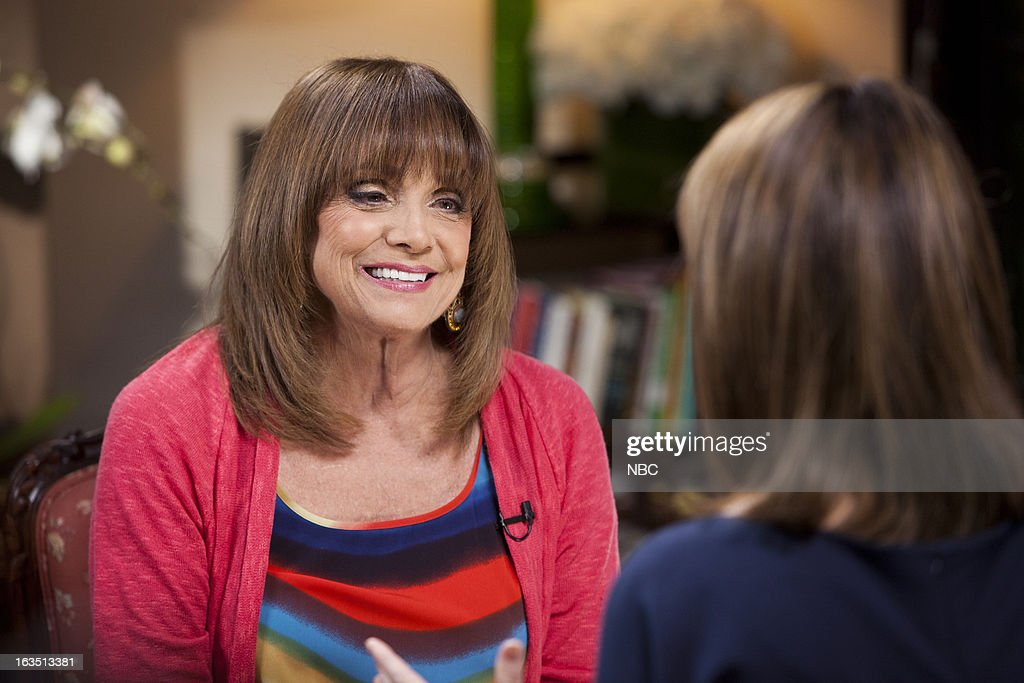 <a gi-track='captionPersonalityLinkClicked' href=/galleries/search?phrase=Valerie+Harper&family=editorial&specificpeople=206853 ng-click='$event.stopPropagation()'>Valerie Harper</a>, Savannah Guthrie --