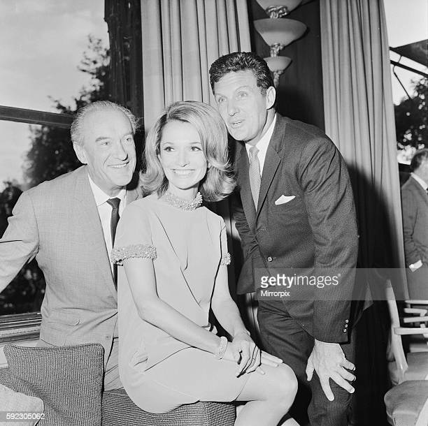 Pictured with co stars George Sanders Robert Stack Lee Bouvier 34 is in London for her TV acting debut in David Susskind's £120000 production of...