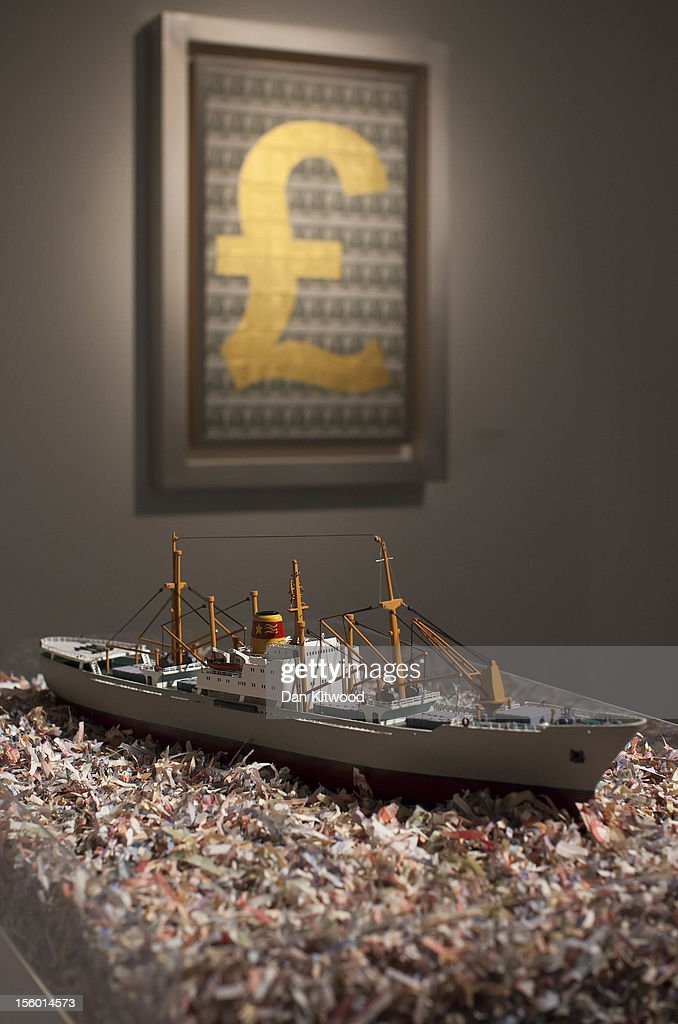 The great swindle exhibition at the halcyon gallery for Maquette stand