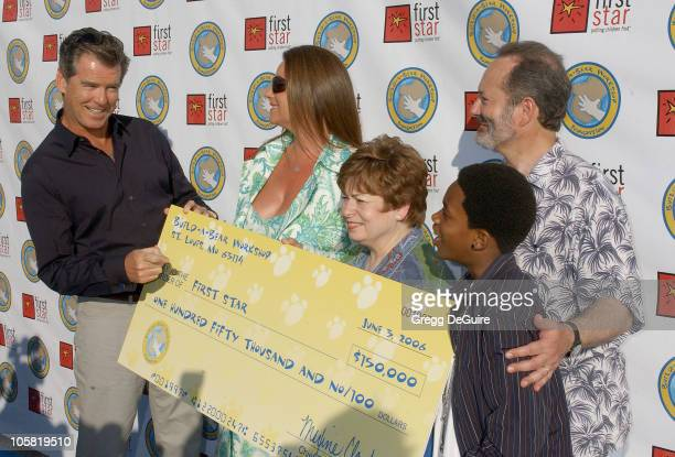 Pierce Brosnan Keely Shaye Smith Maxine Clark of BuildABear Workshop Malcolm David Kelley of Lost and Peter Samuelson of First Star