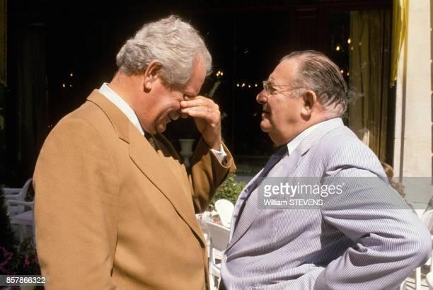 Pierre Bellemare et Leon Zitrone a la conference de presse de rentree de TF1 en aout 1988 a Paris France