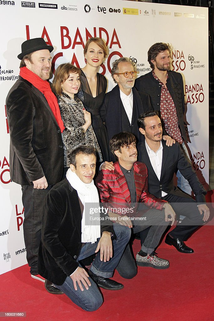 Pierre Benezit, Eszter Tompa, Raphaelle Agogue, Fernando Colomo and Alexis Michalik (front row, L-R) David Coburn, Jordi Vilches and other member of the cast attend 'La Banda Picasso' premiere on January 24, 2013 in Madrid, Spain.