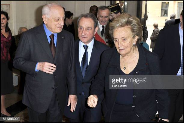 Pierre Berge Bertrand Delanoe and Bernadette Chirac attend the Ceremony of Inclusion of Simone Veil at the 'French Academy' on March 18 2010 in Paris...