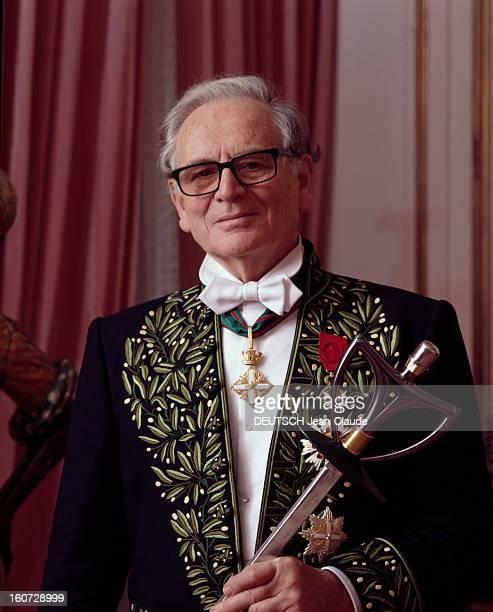 Pierre Cardin Received At The Academy Of Fine Arts Portrait de Pierre CARDIN en habit d'académicien tenant l'épée