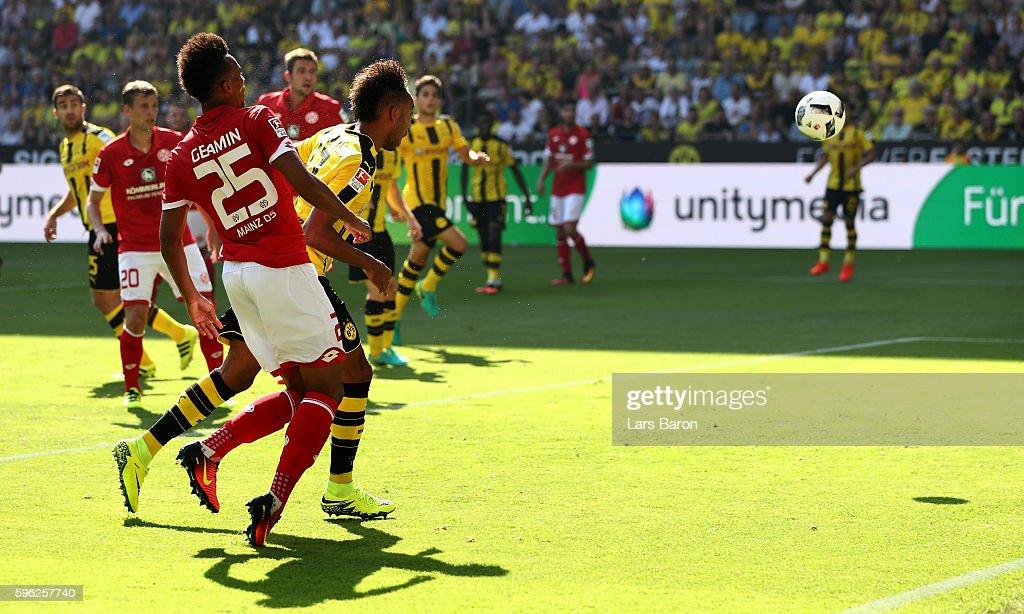 Pierre Emerick Aubameyang of Dortmund scores his teams first goal during the Bundesliga match between Borussia Dortmund and 1. FSV Mainz 05 at Signal Iduna Park on August 27, 2016 in Dortmund, Germany.