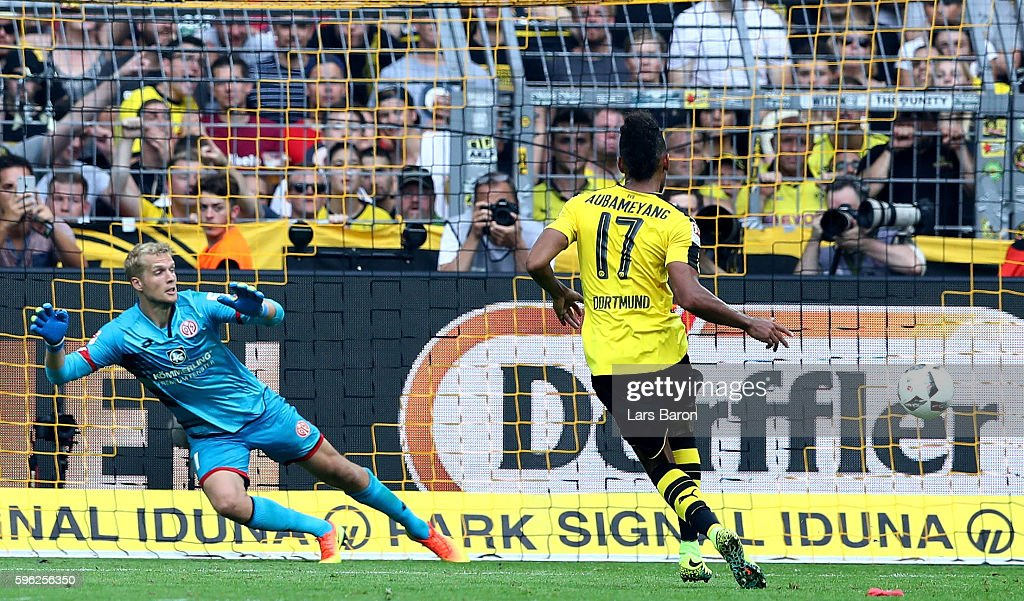 Pierre Emerick Aubameyang of Dortmund scores his teams second goal during the Bundesliga match between Borussia Dortmund and 1 FSV Mainz 05 at Signal...