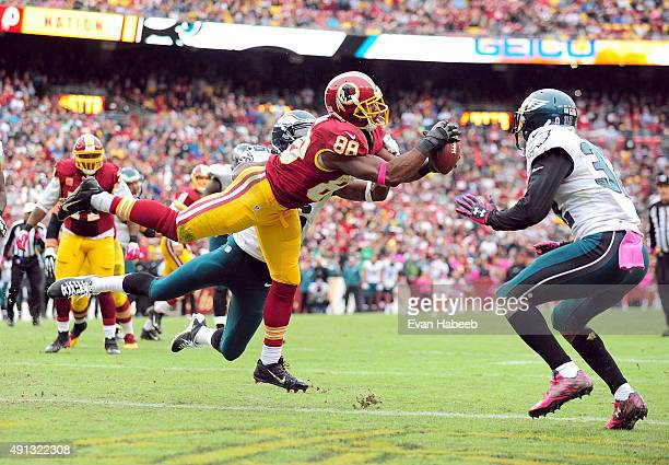 Pierre Garcon of the Washington Redskins catches the game winning touchdown in the fourth quarter against the Philadelphia Eagles at FedExField on...