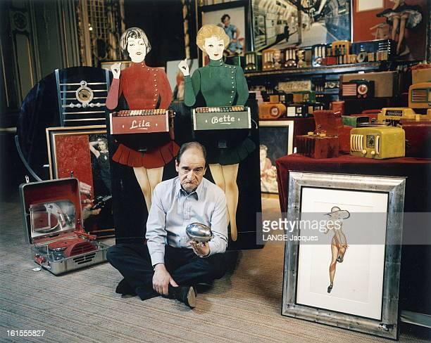 Pierre Lescure Put For Sale His Collection Of Objects Of The Fifties Le 27 mai 2004 dans les salons de Sotheby's à Paris Pierre LESCURE a mis en...