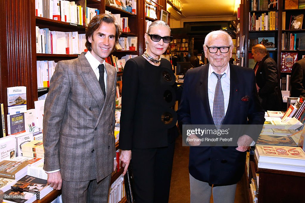 Princess Gloria Von Thurn Und Taxis Signs Her Book 'The House Of Thurn Und Taxis' In Paris
