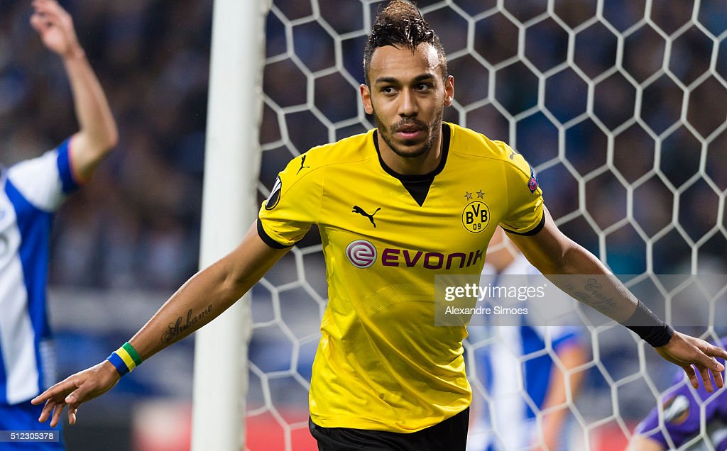 Pierre-Emerick Aubameyang of Borussia Dortmund celebrates after scoring the opening goal during the UEFA Europa League Round of 32 Second Leg match between FC Porto and Borussia Dortmund at Estadio do Dragao on February 25, 2016 in Porto, Portugal.