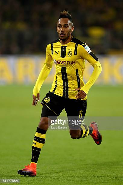 PierreEmerick Aubameyang of Borussia Dortmund runs with the ball during the Bundesliga match between Borussia Dortmund and Hertha BSC at Signal Iduna...