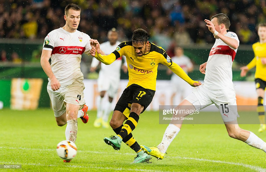 Pierre-Emerick Aubameyang of Borussia Dortmund scores the goal to the 1:2 during the DFB Cup match between VfB Stuttgart and Borussia Dortmund at Mercedes-Benz Arena on February 09, 2016 in Stuttgart, Germany.