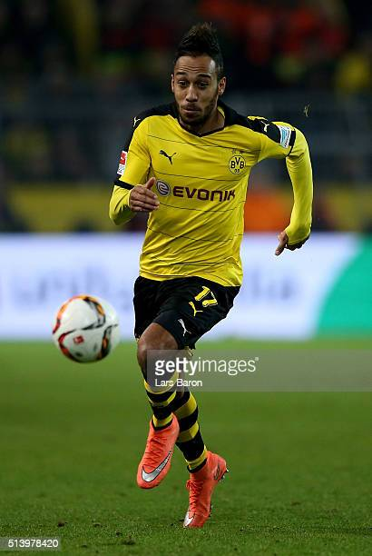 PierreEmerick Aubameyang of Dortmund runs with the ball during the Bundesliga match between Borussia Dortmund and FC Bayern Muenchen at Signal Iduna...