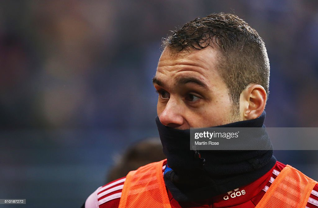 <a gi-track='captionPersonalityLinkClicked' href=/galleries/search?phrase=Pierre-Michel+Lasogga&family=editorial&specificpeople=7055737 ng-click='$event.stopPropagation()'>Pierre-Michel Lasogga</a> of SV Hamburg warms up at half time during the Bundesliga match between Hamburger SV and Borussia Moenchengladbach at Volksparkstadion on February 14, 2016 in Hamburg, Germany.