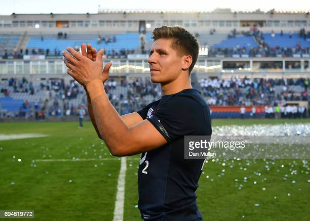 Piers Francis of England applauds the crowd following the ICBC Cup match between Argentina and England at the Estadio San Juan del Bicentenario on...