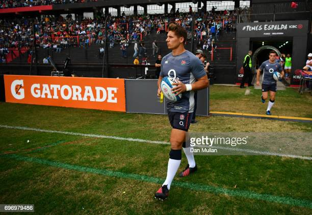 Piers Francis of England makes his way out onto the pitch for the warm up prior to the ICBC Cup match between Argentina and England at Estadio...