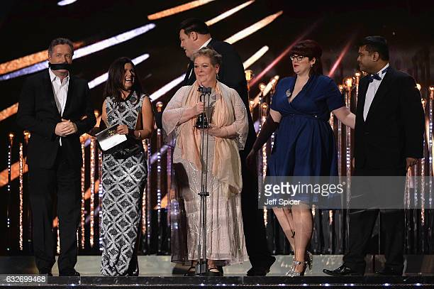 Piers Morgan and Susanna Reid present the production team of The Chase with the Best Daytime Award on stage at the National Television Awards at The...