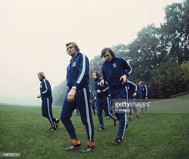 Piet Keizer Jan Mulder during a training session of the Dutch National team during the season 1972/1973 at Zeist Netherlands
