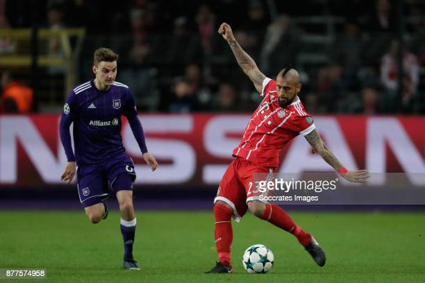 Pieter Gerkens of Anderlecht Arturo Vidal of FC Bayern Munchen during the UEFA Champions League match between Anderlecht v Bayern Munchen at the...