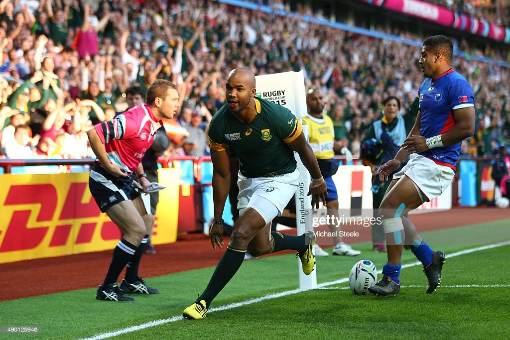Pietersen of South Africa scores his teams second try during the 2015 Rugby World Cup Pool B match between South Africa and Samoa at Villa Park on...