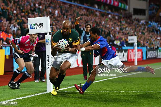 Pietersen of South Africa scores his third try during the 2015 Rugby World Cup Pool B match between South Africa and Samoa at Villa Park on September...