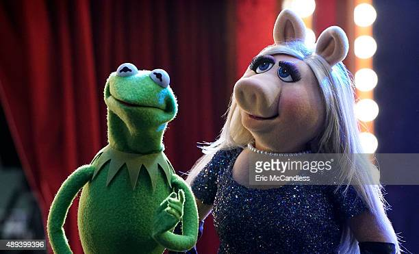 THE MUPPETS 'Pig Girls Don't Cry ' Miss Piggy is furious that Kermit booked Elizabeth Banks as a guest on her late night talk show Up Late with Miss...