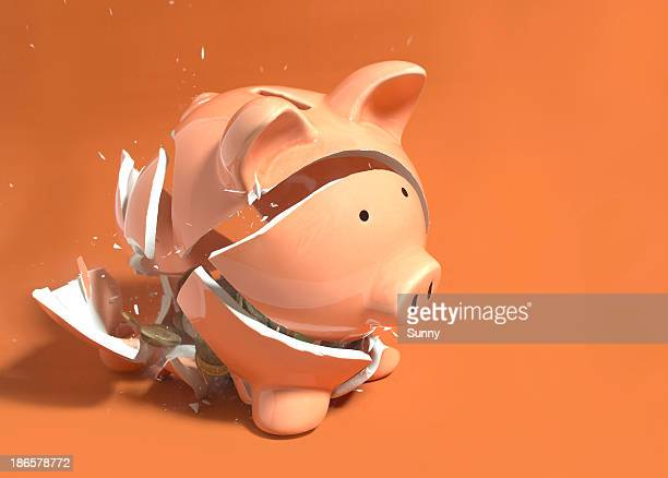 Piggy Bank breaking 02