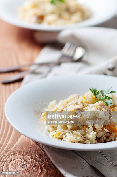 Pilau with chicken, carrot and onion