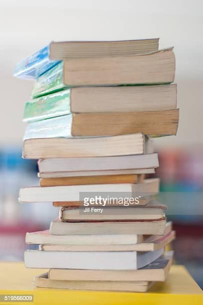 pile of books teen - photo #36