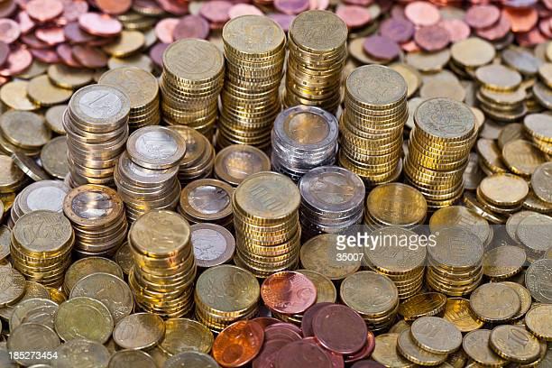 Pila di monete in aumento