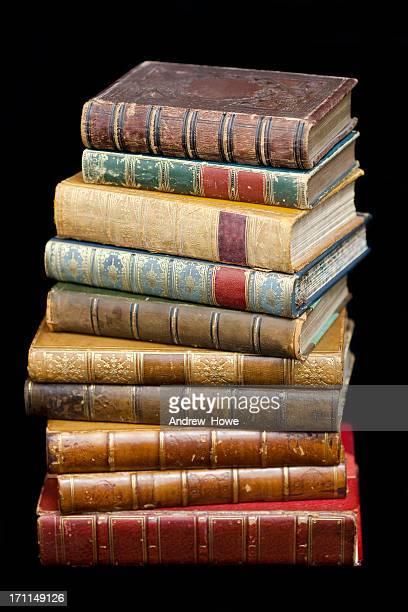 Haufen von alten Bücher ledergebundenes