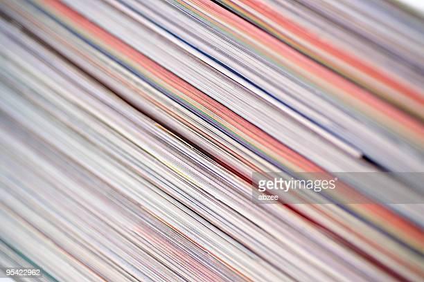 Haufen von Zeitschriften in einem Winkel, sehr engen dof