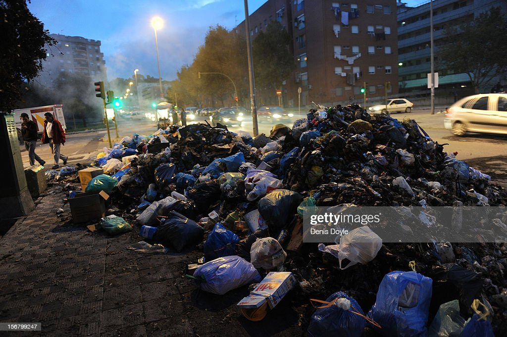 A pile of uncollected garbage is seen during the 20th day of the garbage collectors strike on November 21, 2012 in Jerez de la Frontera, Spain. Residents have begun burning the garbage during the strike by the collectors who are protesting planned layoffs in the sector by the local town council.