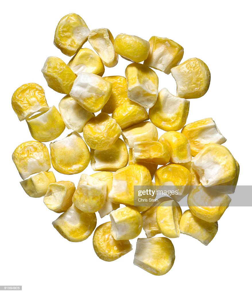 pile of yellow corn kernels