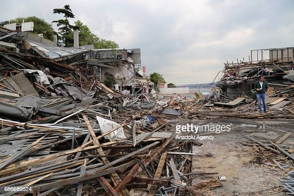 Pile Of Building Debris : Istanbuls nightclub demolished after deadly attack
