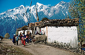 Pilgrims on trail to Muktinath temples.