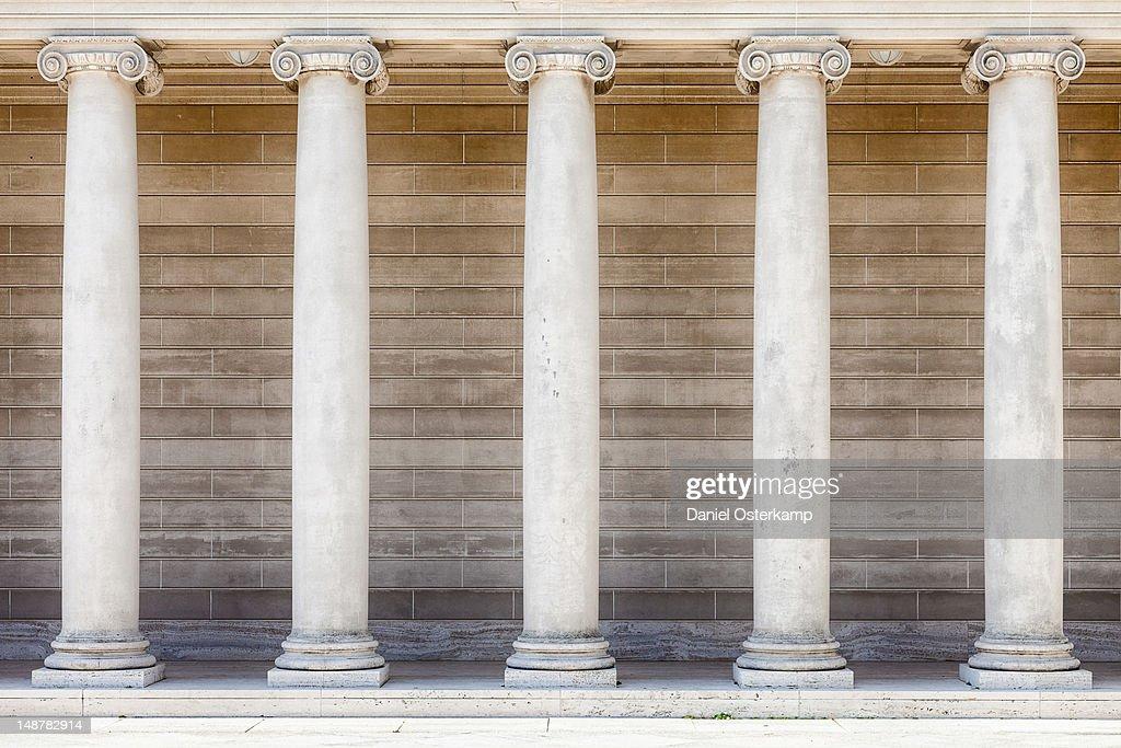 Pillar rows