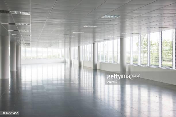 I pilastri in vuoto office building