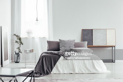 Pillow with houndstooth pattern : Stock Photo