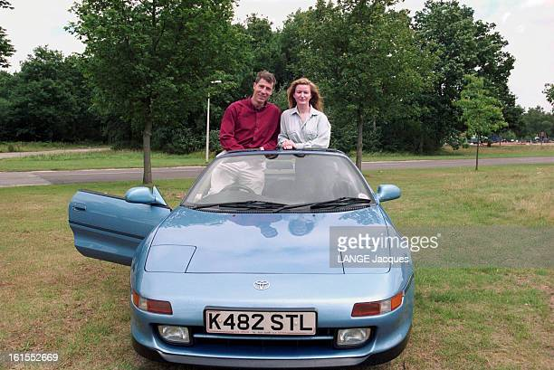 Pilot Andy Green En GrandeBretagne en septembre 1997 Rendezvous avec Andy GREEN pilote de chasse de la Royal Air Force et sa fiancée Jayne MILLINGTON...