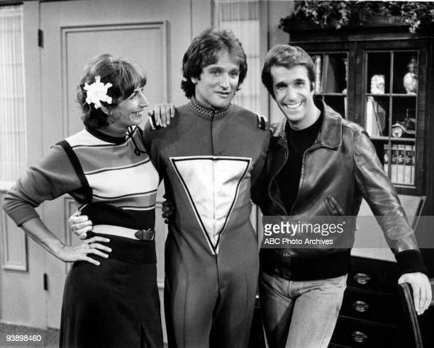 MORK MINDY 'Pilot' Season One 9/24/78 Robin Williams stars as Mork a comedic alien who travels to Earth from his planet Ork in a large eggshaped...
